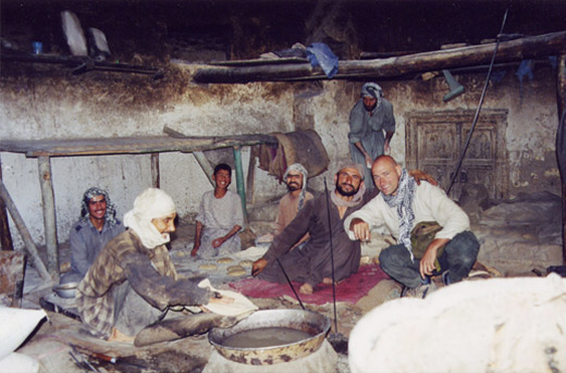 Kabul, BBC 2002, morgens in der Bäckerei